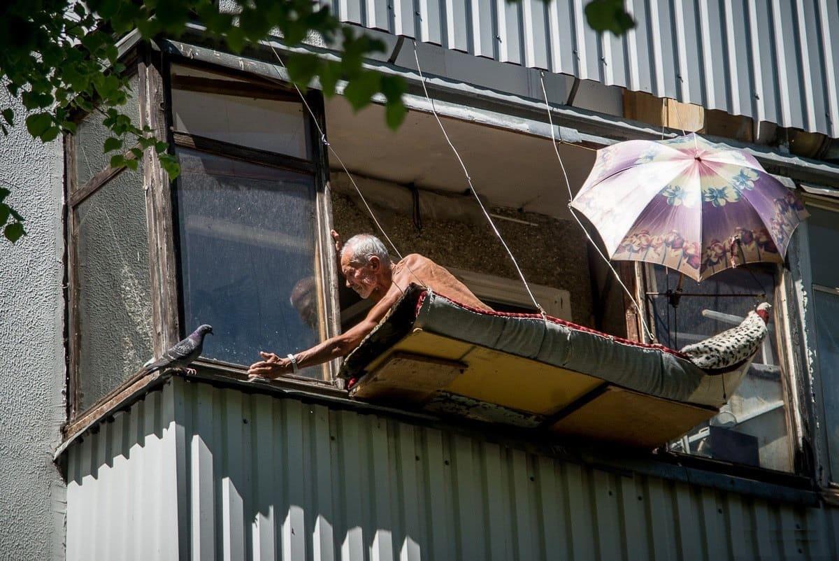 Соседки по балкону фото #7
