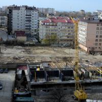 ЖК Солнечный город, строительная площадка с дом рядом