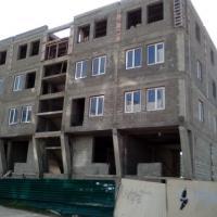 незаконное строительство, вместо двухэтажного магазина  - жилой дом