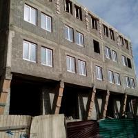 незаконное строительство, вместо двухэтажного магазина